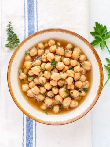 bowl of cooked garbanzo beans