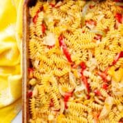 baked rotini noodles with chicken and bell pepper